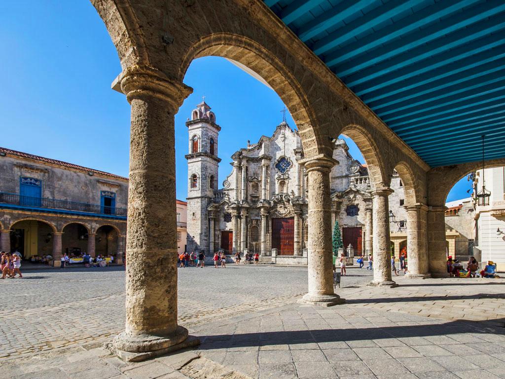 Programa para grupos en Cuba - EDUCATION AND LAW